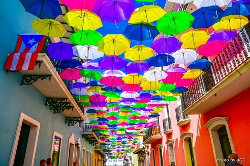 Fotos de las sombrillas del viejo San Juan by Johnny Otero